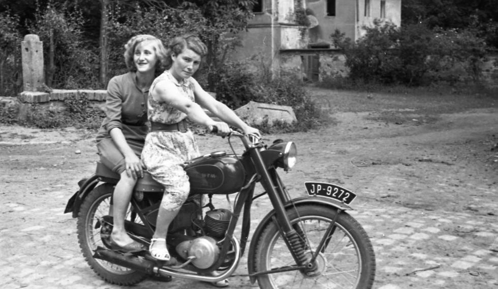 Zatrzymane wczasie… - wystawa starych fotografii. Stowarzyszenie Miłośników Ziemi Kąckiej zaprasza