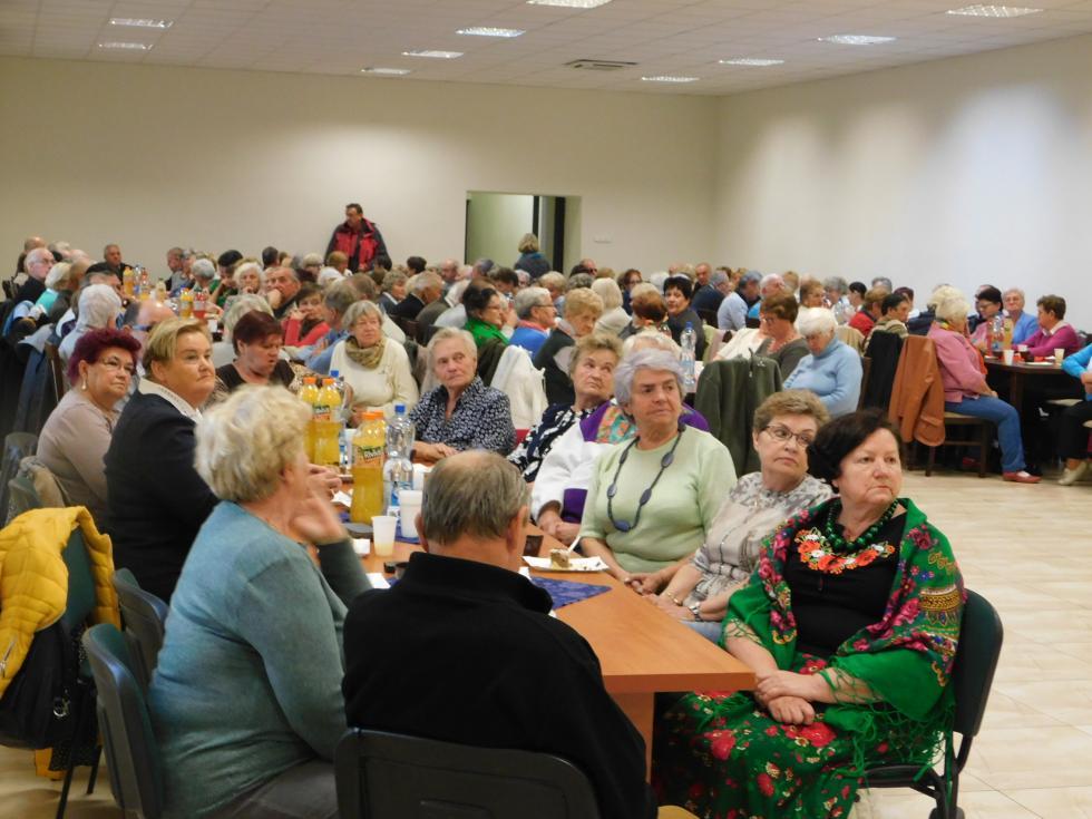 Aktywni seniorzy wpowiecie