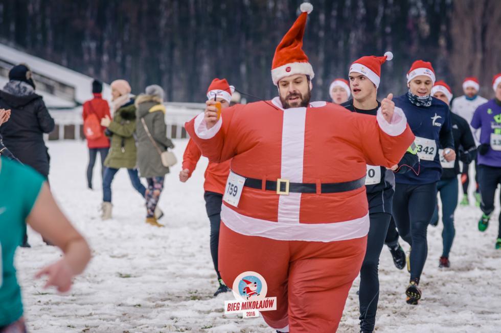 Tysiące Mikołajów już wkrótce weWrocławiu. Rusza V edycja Biegu Mikołajów