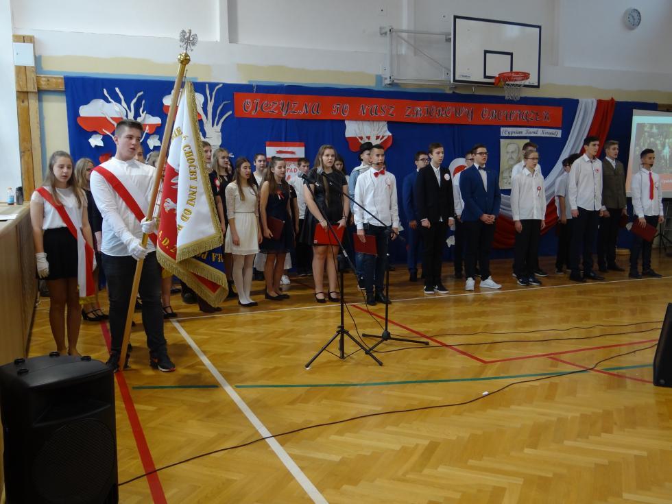 11 Listopada - uroczystości wKobierzyckiej szkole