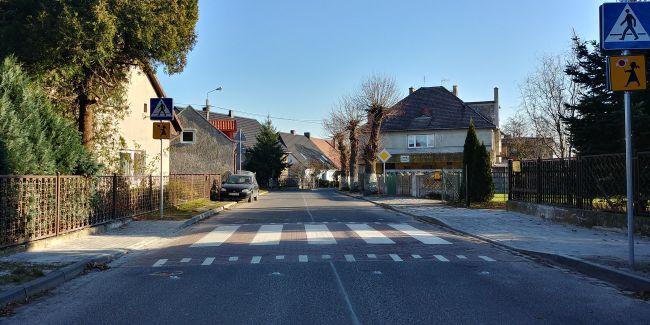 Zakończona budowa wyniesionego przejścia dla pieszych wRatowicach