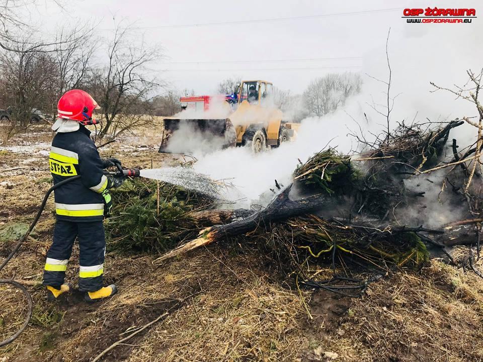 Pożar wtrudnym terenie