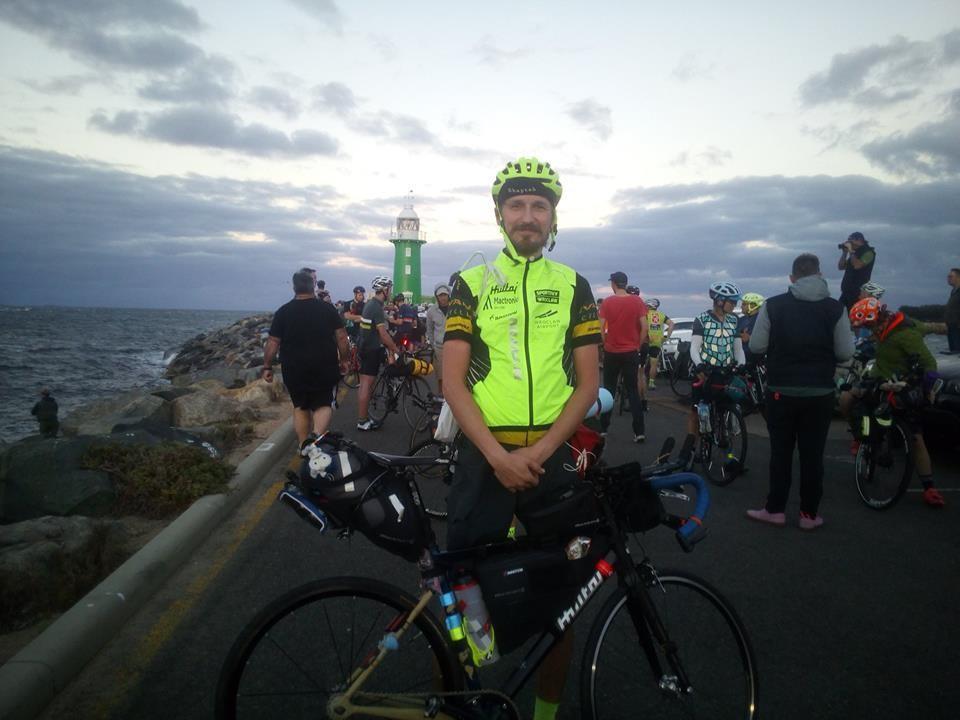 5500 km rowerem w19 ipół dnia – Polak na mecie ekstremalnego wyścigu