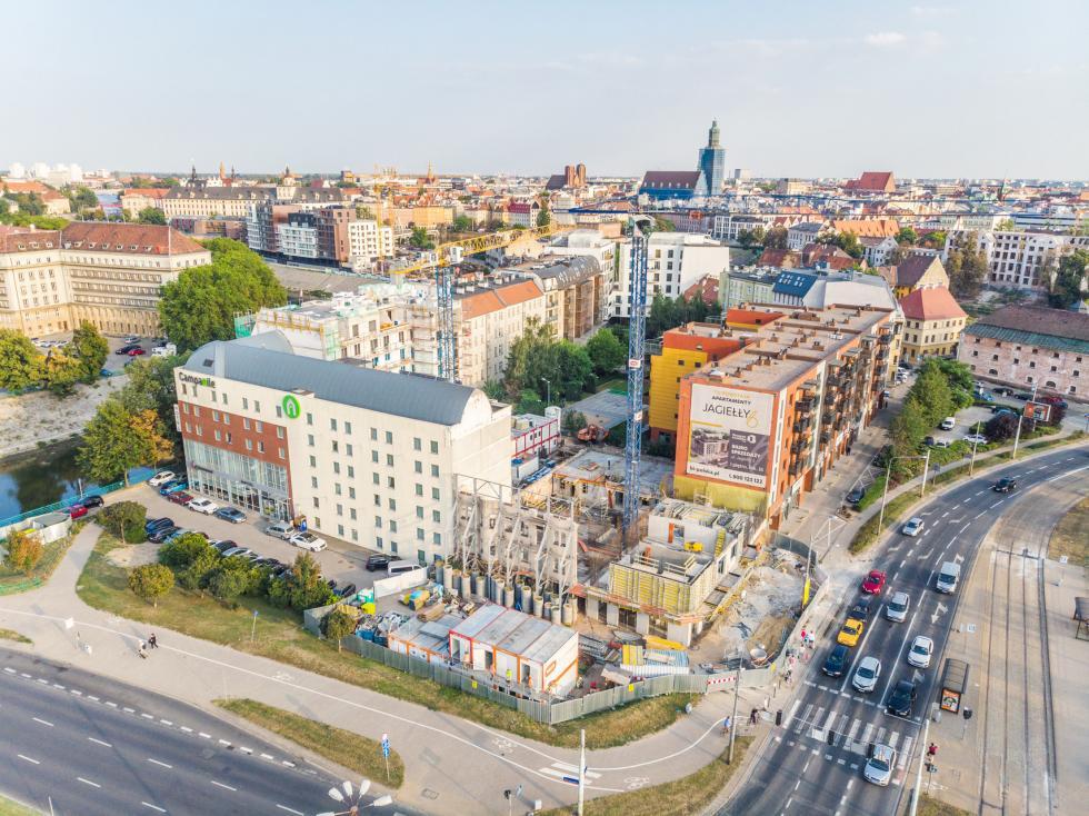Kamienica przy Jagiełły 6 wtrakcie rewitalizacji – stan zero