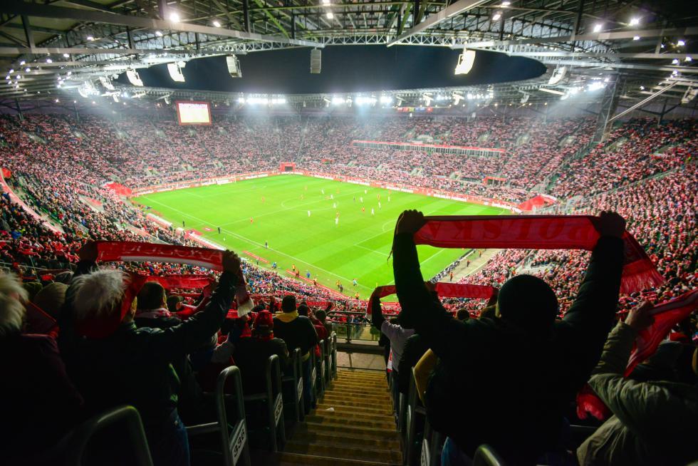 Mecz Polska - Irlandia na Stadionie Wrocław. Specjalna komunikacja, parkingi