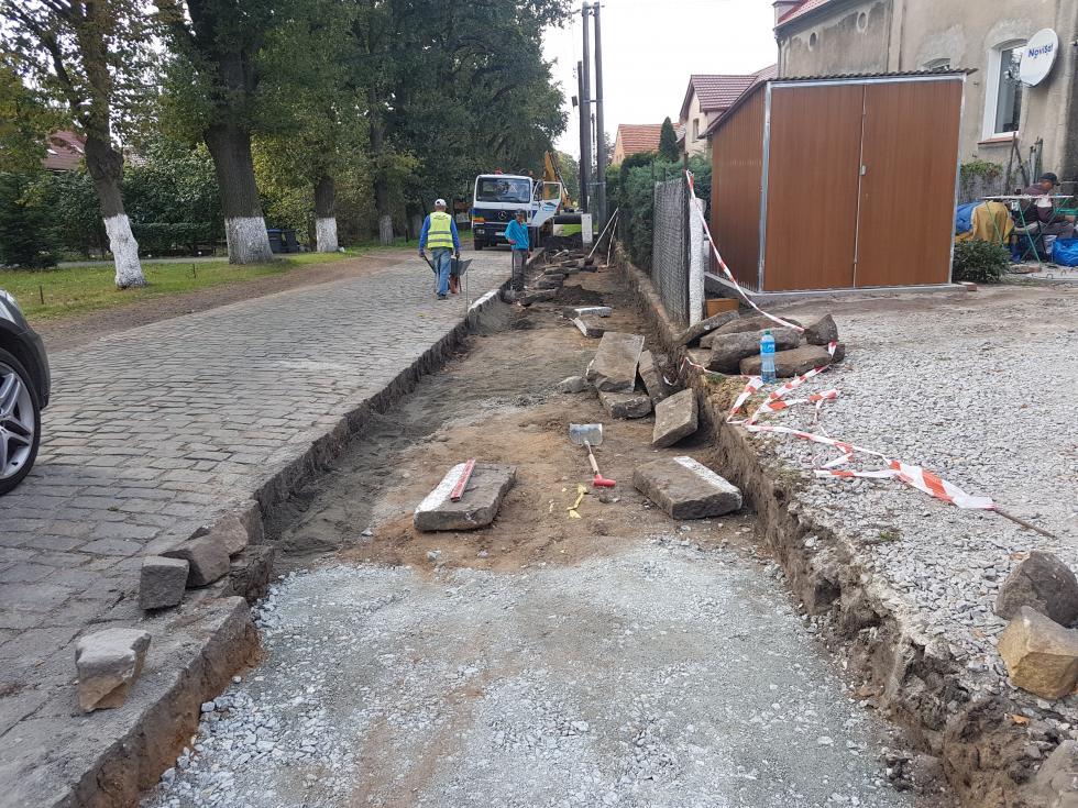 Budowa chodnika wTurowie