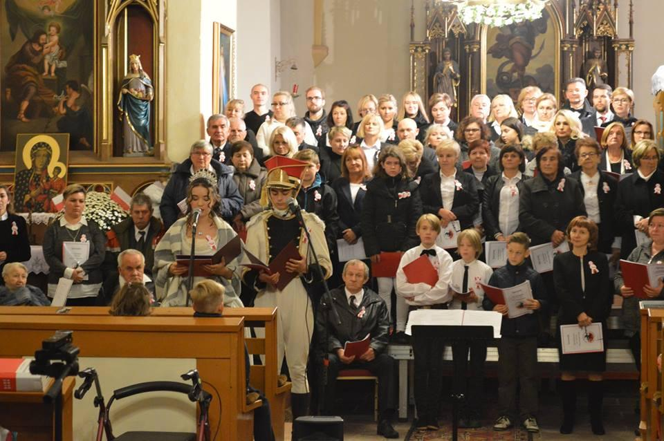 Stu chórzystów na 100-lecie Niepodległej Polski