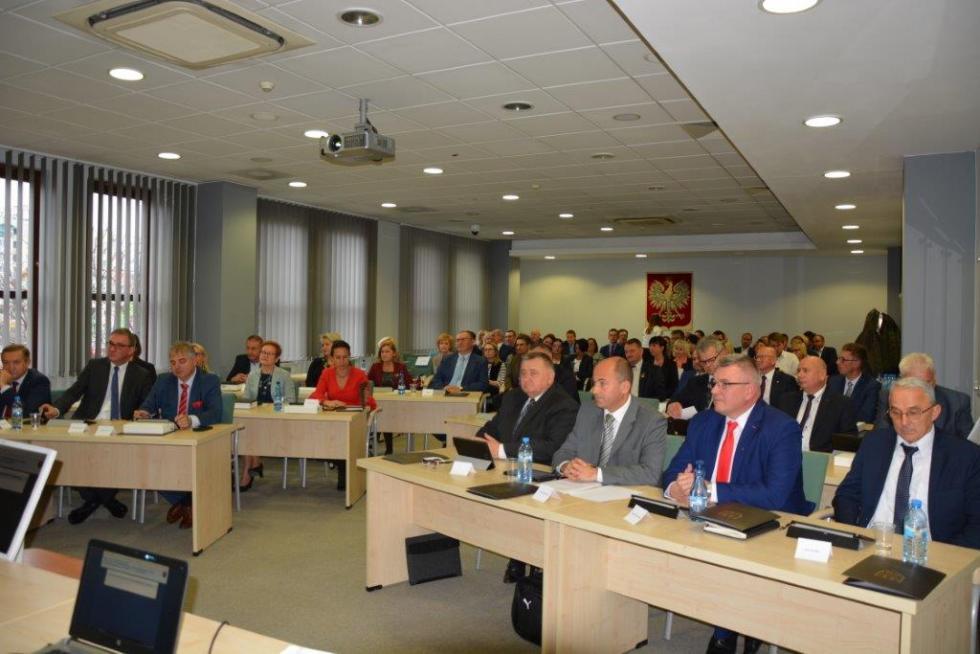 I sesja Rady Powiatu Wrocławskiego VI kadencji