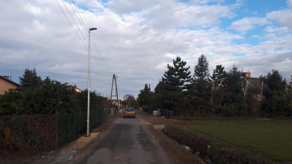 Oświetlenie drogowe ul. Ogrodowej wKamieńcu Wrocławskim już funkcjonuje
