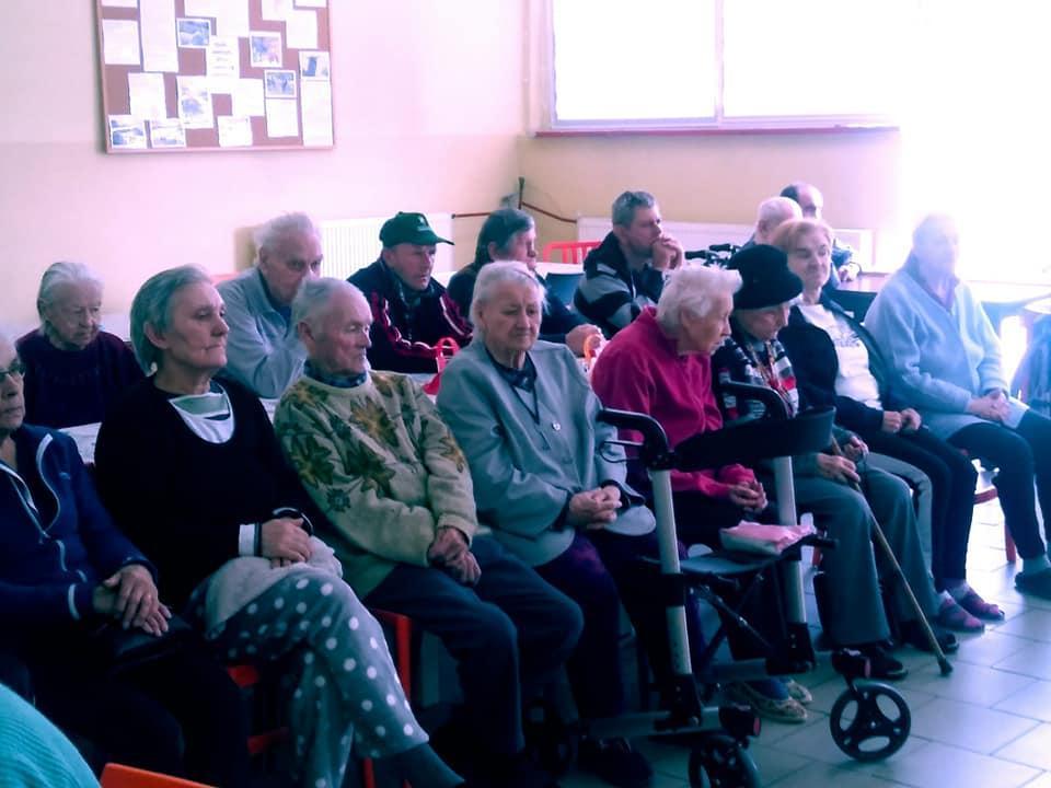 Dzień Kobiet  wPrzystani dla seniorów