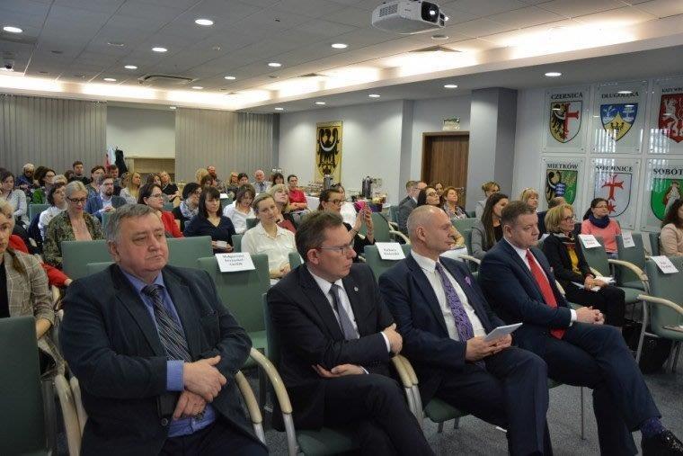 """Konferencja   """"Mediacje zsferze administracji publicznej. Szanse izagrożenia"""""""