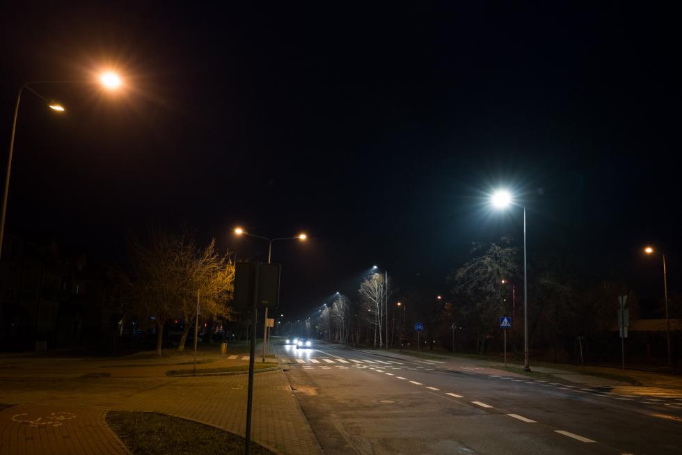 Wpływ nowoczesnych lamp LED na bezpieczeństwo na pasach.