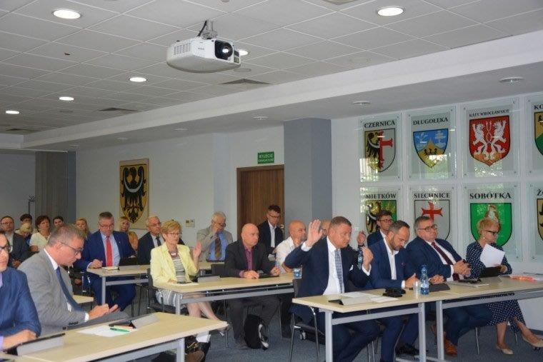 VII Sesja Rady Powiatu Wrocławskiego - absolutorium dla Zarządu