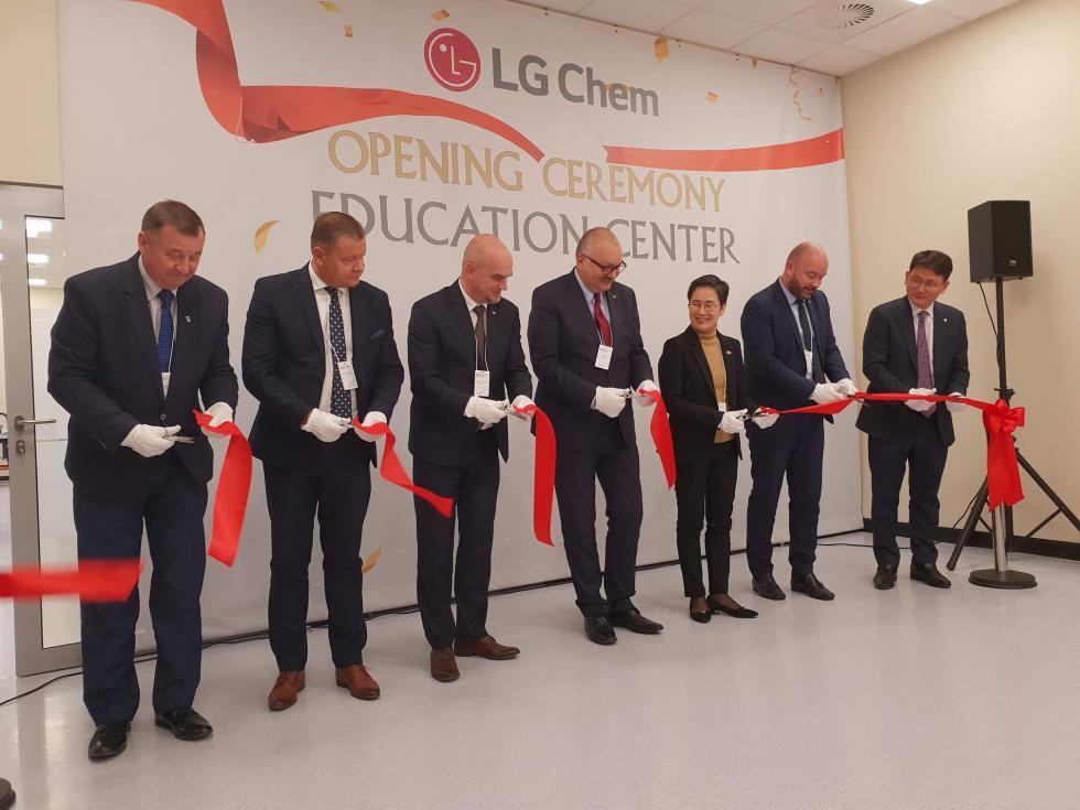 Centrum Kształcenia Zawodowego Młodzieży LG Chem Wrocław Automative Oficjalnie otwarte
