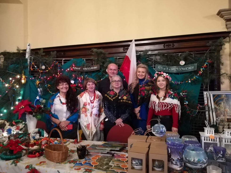 Powiat Wrocławski na Kiermaszu Bożonarodzeniowym weFrancji