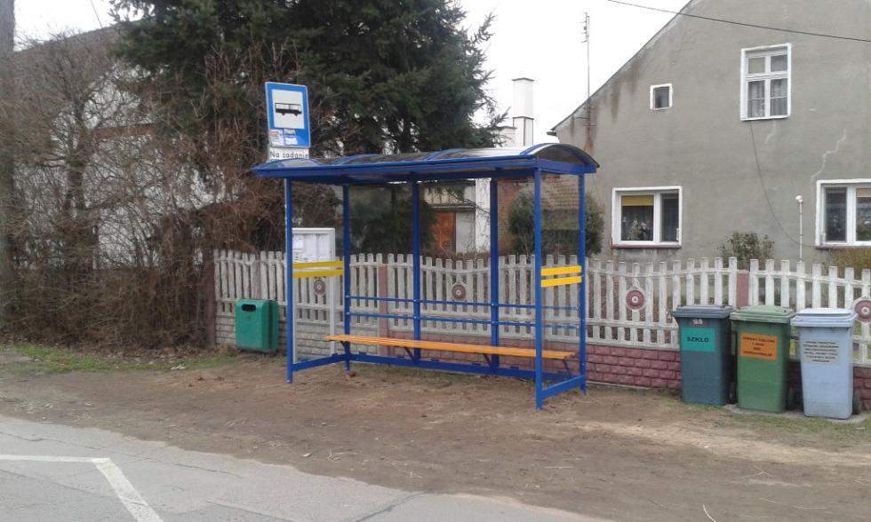 Nowe wiaty na przystankach autobusowych