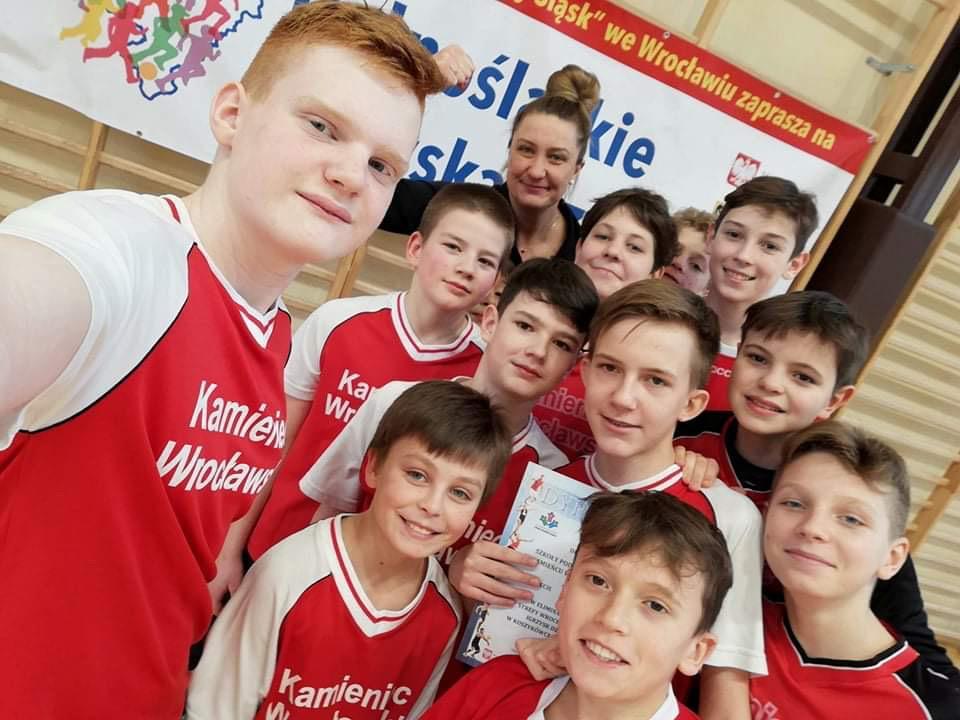 Sukces młodych koszykarzy zSP wKamieńcu Wrocławskim