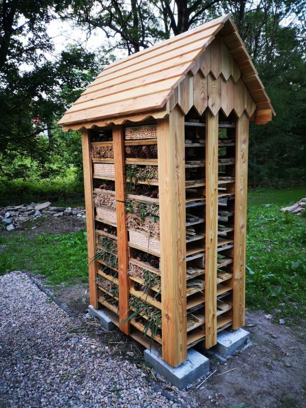 Hotele iogrody dla dzikich pszczół wKotlinie Kłodzkiej
