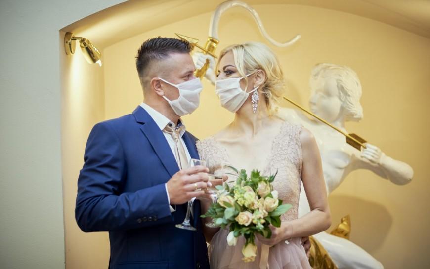 Ślub wczasach zarazy