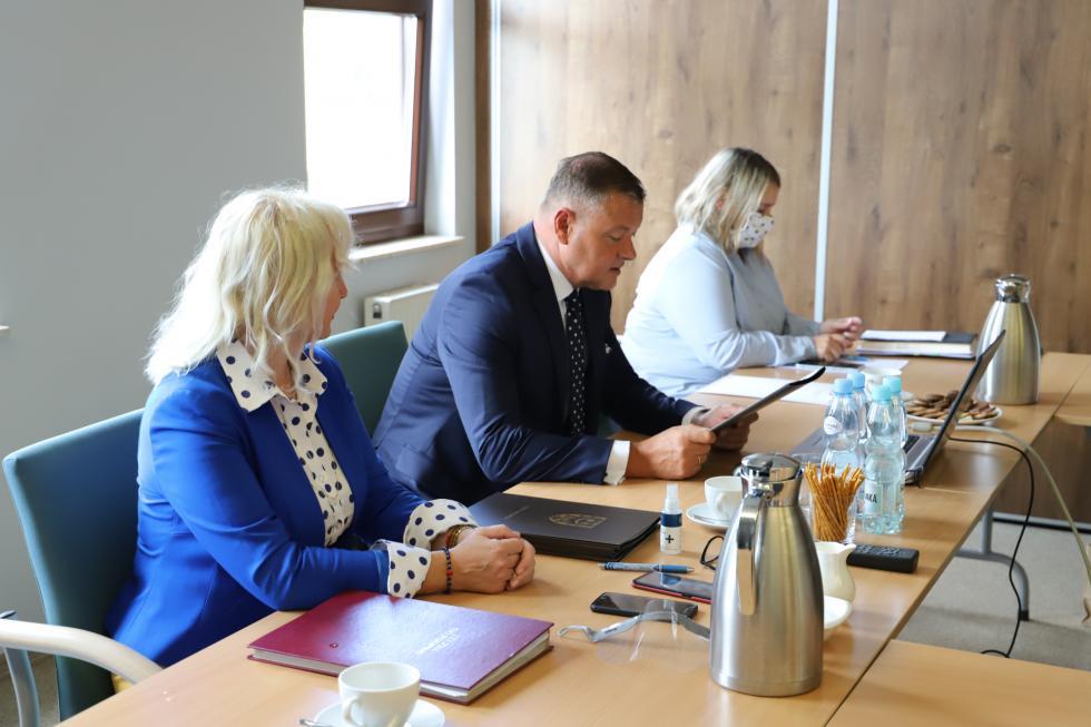 Narada starosty zdyrektorami szkół iplacówek oświatowych powiatu wrocławskiego