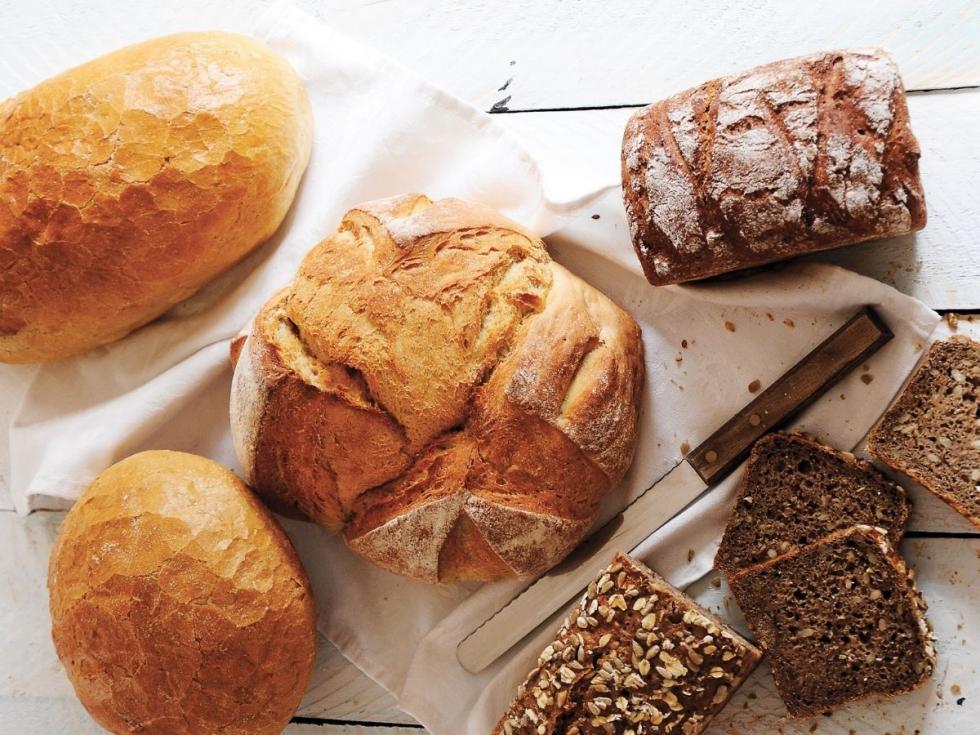 36 kilogramów chleba zjada rocznie statystyczny Polak: jak wybrać ten najzdrowszy? 16 października - Światowy Dzień Chleba