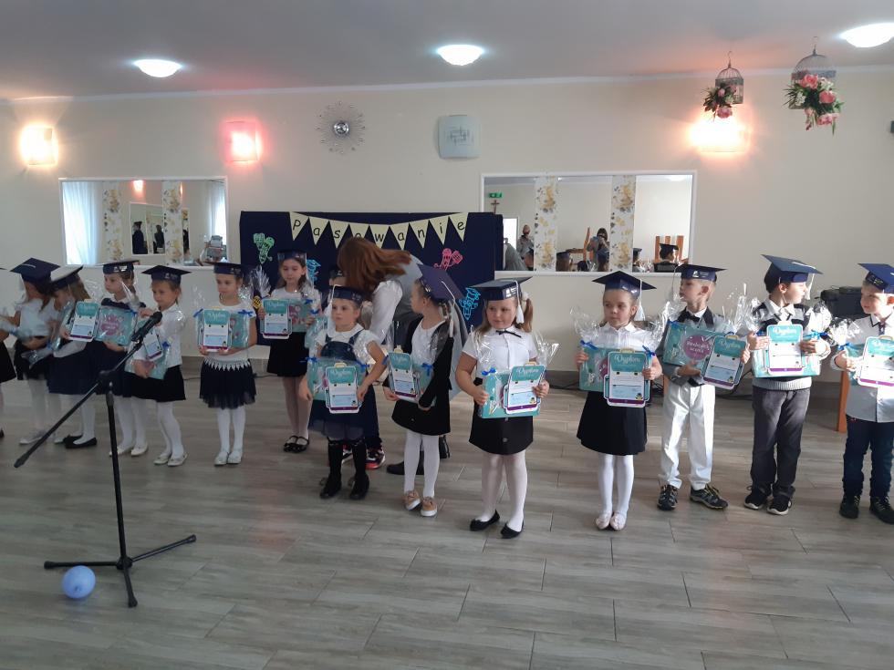 Pasowanie pierwszoklasistów wRogowie Sobóckim