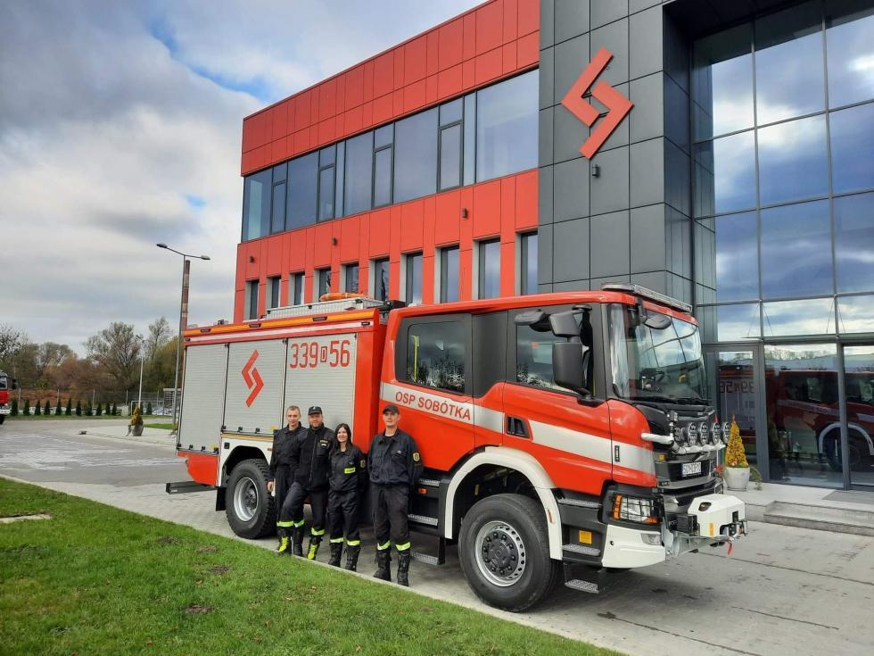 Odbiór nowego auta Ochotniczej Straży Pożarnej