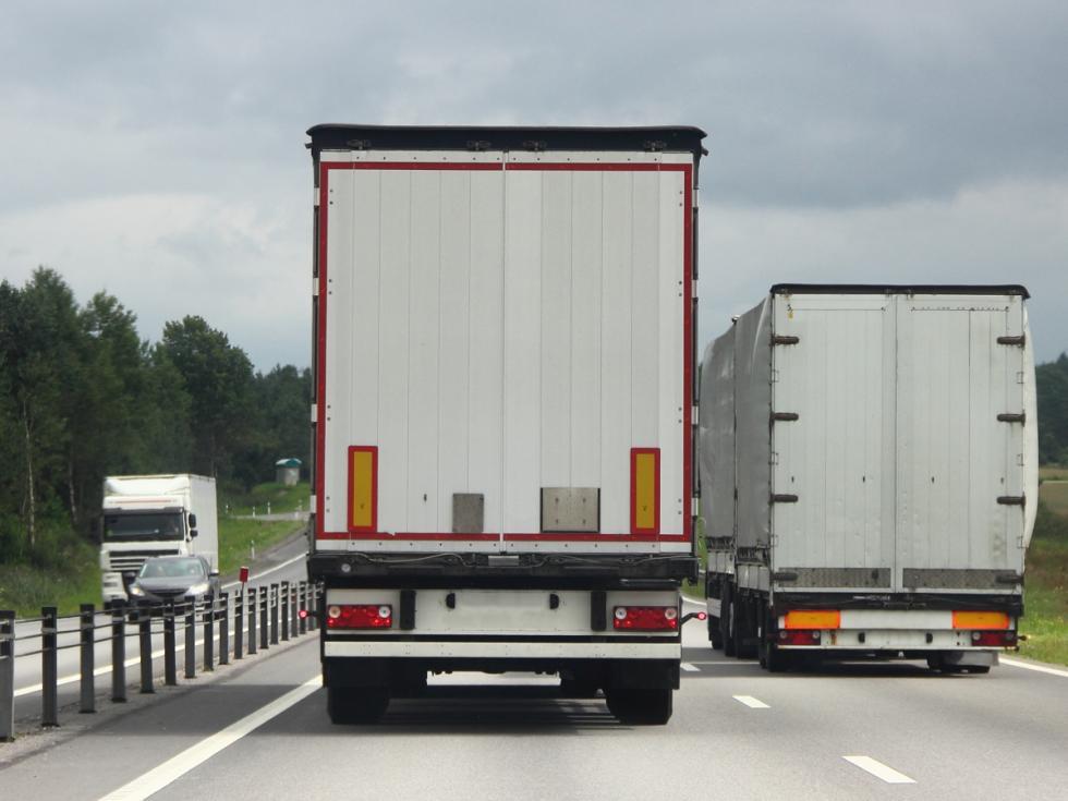 Słowenia: zakaz wyprzedzania dla ciężarówek na wszystkich autostradach.  Eksperci zYanosik komentują